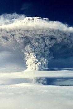 Volcanic Cloud. www.urbanrambles.com