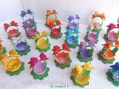Faça muitas destas lindas forminhas para doces em EVA (Foto: cardsandschoolprojects.blogspot.com.br)