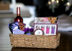 Gift Baskets & Hostess Gifts // 6 Thoughtful Gift Ideas that are Easy to Assemble - Living in Yellow
