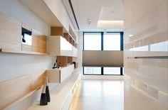 主要材料:EGGER系統板、結晶鋼烤板、寮國香杉、KD 木皮板、玻璃、手刮實木地板、30*60半拋面磚、ICI竹炭淨味乳膠漆、珪藻土、風琴簾、細版鋁百葉