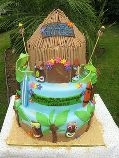 Tiki Hut / Hawaiian Cake by thecakemamas, via Flickr