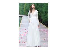 Splývavé svatební šaty s rukávy. lehounké splývavé svatební šaty krajkový  živůtek a rukávy zdobené bordurou c9b98e3d2c