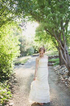 Good bridal pose, pretty light.