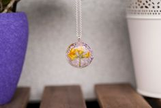 Resin Necklace, Flower Necklace, Pendant Necklace, Real Flowers, Yellow Flowers, Forever Flowers, Natural Jewelry, Round Pendant, Flower Pendant