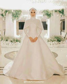 Muslim Wedding Gown, Muslimah Wedding Dress, Muslim Wedding Dresses, Hijab Bride, Bride Gowns, Dream Wedding Dresses, Bridal Dresses, Wedding Gowns, Bridesmaid Dresses