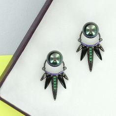 Silver & Pearls 💥💥💥 Encuentra estos aretes de nuestra colección de Plata .925 en 👉🏻 www.pinkrevolver.com.mx