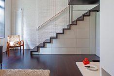 06-apartamento-pequeno-escada