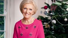 Mary Berry shares recipes for a stress-free Christmas Day, including mini filo beef wellington canapes, mince pies and the all-important turkey crown with all the trimmings. Mary Berry Mince Pies, Mary Berry Christmas, Christmas Ideas, Holiday, Turkey Crown, Christmas Stuffing, Jam Tarts, Cooking A Roast, Mince Meat