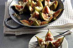 Warme vijgen met geitenkaas en honing - Recept - Allerhande Fruits And Vegetables, Veggies, Party Treats, Potato Salad, Dairy Free, Good Food, Healthy Recipes, Healthy Food, Vegetarian