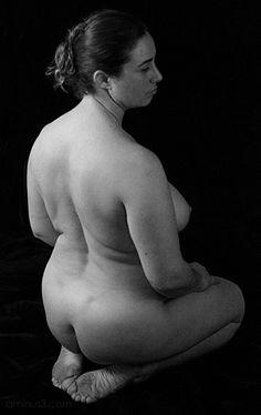 kneeling woman anatomy study