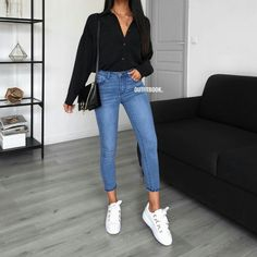 You need this shirt in every color! Chemise / Shirt: 5113 - Adultish Shirt - Ideas of Adultish Shirt - You need this shirt in every color! Uni Outfits, Cute Casual Outfits, Mode Outfits, College Outfits, Jean Outfits, Spring Outfits, Fashion Outfits, Womens Fashion, Fashion Mode