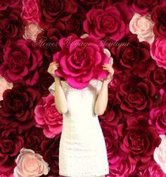 Giant flower wall. Paper flower backdrop. Wedding by KatyaPaperie