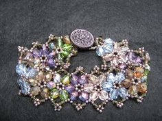 Beading Tips 024 tuts and how to make clasps. Pattern is easy enough to make