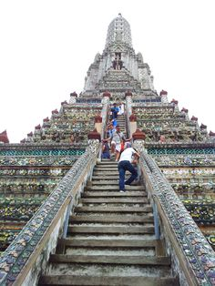The Temple of Dawn Bangkok Wat Arun on http://www.livingincmajor.com/the-temple-of-dawn-bangkok-wat-arun-how-to-get-there