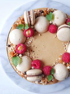 Hasselnötsbrownie med saltkolapannacotta   Brinken bakar Best Dessert Recipes, Fun Desserts, Lchf, Cakes And More, Let Them Eat Cake, How To Make Cake, Baking Recipes, Food And Drink, Yummy Food
