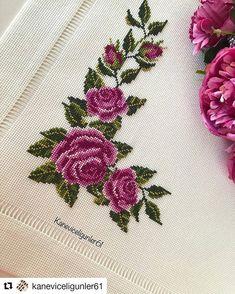 Amazing retro embroidered / tablecloth / 13 x 13 … – Flower İdeas Cross Stitch Needles, Cross Stitch Rose, Cross Stitch Borders, Cross Stitch Flowers, Cross Stitch Designs, Cross Stitching, Cross Stitch Embroidery, Hand Embroidery, Cross Stitch Patterns