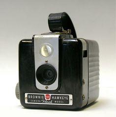 Vintage Kodak Brownie Hawk-eye Flash Camera 620