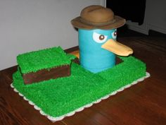 Perry the platypus cake!  My little brother would go nuts if he saw this!!!