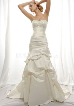 Chic A line Satin Sweetheart Dropped Chapel Train Bridal Gown With Embroidery