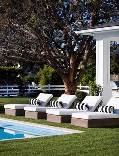 Get inspired by Traditional Outdoor Design photo by AGK Design Studio. Wayfair lets you find the designer products in the photo and get ideas from thousands of other Traditional Outdoor Design photos. Used Outdoor Furniture, Pool Furniture, Furniture Ideas, Rustic Furniture, Modern Furniture, Furniture Design, Living Pool, Outdoor Living, White Exterior Houses
