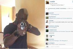 "Balotelli posta foto no instagram apontando pistola para ""inimigos"" Cultura Nerd, Fotos Do Instagram, Enemies"