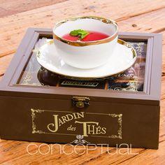 Una caja de té, con deliciosos aromas y sabores para tus momentos de lectura o de una conversación tranquila entre amigas. Bonita y deliciosa idea, ¿Verdad? Visítanos en Indiana Mall - Local 164 #Conceptual