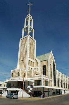 Fotos de Comodoro Rivadavia: Catedral San Juan Bosco