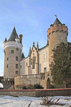 ღ❤༺★✿Žleby Castle, Czech Republic Castle House, Castle Ruins, Medieval Castle, Beautiful Castles, Beautiful Buildings, Modern Buildings, Castle In The Sky, Fairytale Castle, Palaces