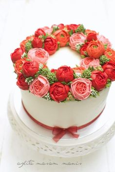 Red buttercream flower wreath