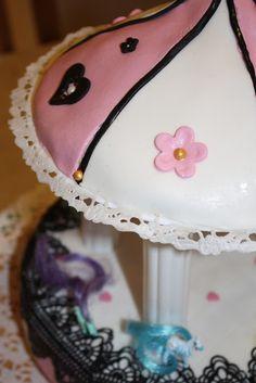 Karuselli-kakku by Sanna Oksa