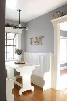 Decorate A Bungalow Living Room – Home Colour Ideas Bungalow Living Rooms, Small Bungalow, Bungalow Kitchen, Bungalow Interiors, Bungalow Homes, Craftsman Kitchen, West Elm, 1920s Kitchen, California Bungalow