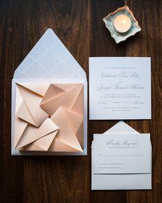 """976 To se mi líbí, 15 komentářů – Wedding Chicks™ (@weddingchicks) na Instagramu: """"Hand-folded origami wedding invites. #LoveThisIDea #Unique Invitations by @pennandpaperie…"""""""