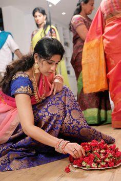 Half saree with brocade design/indian dress Half Saree Designs, Saree Blouse Designs, Indian Dresses, Indian Outfits, Modern Saree, Simple Sarees, Bridal Looks, Indian Bridal, Indian Fashion