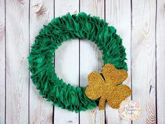 St Patrick's Day Green Burlap Ruffle Wreath with Gold Shamrock