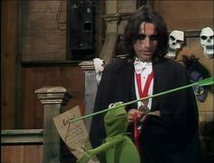 Alice Cooper.  Kermit practially knows everybody who is anybody....