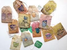 Teacups on tea bags. gouache, aquarelle et features sue sachets de thé.