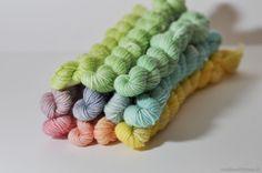teinture de laine avec des colorants alimentaires