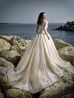 Bridal, evening and ball gowns made of exquisite fabrics and fine handwork will highlight your delicate, natural beauty and individuality on your unique Vienna, Bridal Style, Bridal Dresses, Ball Gowns, Bride, Formal Dresses, Spring, Unique, Beauty