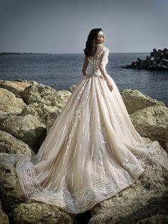 #wedding #bridal #newcollection #bride #bridaldress #weddingdress #hochzeit #hochzeitskleid #solomiabridal #solomia #vienna #fashion #springcollection2017 #brautkleid #dress #hautecouture