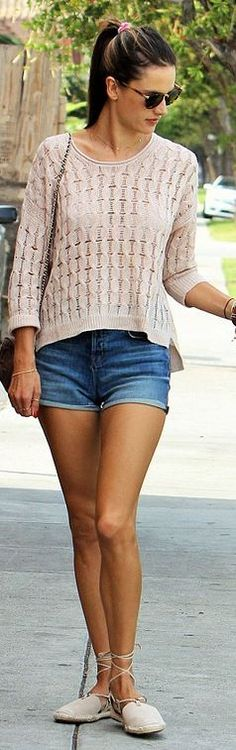 Who made  Alessandra Ambrosio's tan sweater, shoes, denim shorts, and handbag?