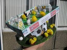 Seems like they have bunnies and chicks the same size as well as a small human referee. So how does that happen? Boys Easter Hat, Easter Bonnets For Boys, Easter Hat Parade, Crazy Hat Day, Crazy Hats, Easter Arts And Crafts, Kids Crafts, Easter Garden, Easter Baskets