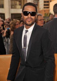 R B Singer Maxwell | Fashionista's FNO Hot Guy Guide: Maxwell, Kellan Lutz and NYC ...