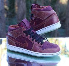 timeless design b6da4 85353 Nike Air Jordan 1 Retro Mid BHM Deep Garnet 647561-605 Men s Size 8