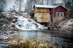 Old mill (Kalmakurjenkoski, Terälahti) Water Mill, Cozy Cabin, Cabins In The Woods, Windmill, Tiny House, Old Things, Environment, Cottage, Writing Inspiration