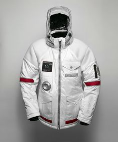 Spacelife Jacket   The design of the jacket takes inspiration from the classic spacesuitand offers many technical features as well as excellentprotection from the elements. The exterior of the jacket is made from a unique trilobal fiberwhich is both waterproof and light-reflecting.