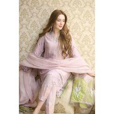 Modest Fashion Hijab, Pakistani Fashion Casual, Pakistani Outfits, Fashion Dresses, Indian Fashion, Fancy Dress Design, Stylish Dress Designs, Bridal Dress Design, Beautiful Casual Dresses