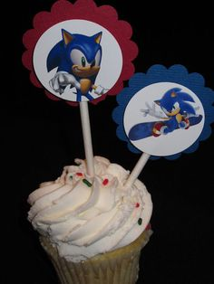 24 Sonic the Hedgehog Birthday party cupcake by BudgetBirthdays