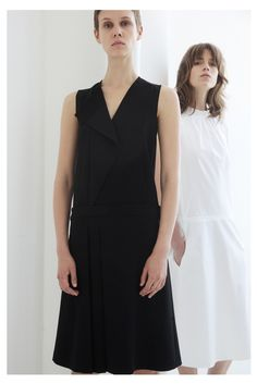 Cédric Charlier Resort 2014 Fashion Show - Marike Le Roux and Sojourner Morrell