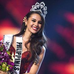 Miss Universe Hairstyles From 1952 To 2019 Pageant Crowns, Pageant Hair, Beauty Pageant, Miss Universe Crown, Miss Universe 2014, Miss Univers Philippines, Popular Hairstyles, Bun Hairstyles, Elegant Bun