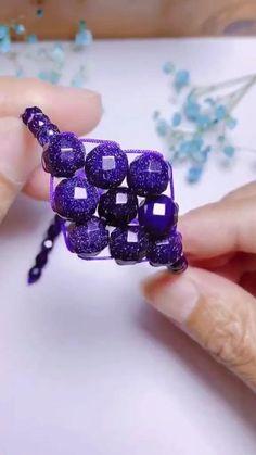 Diy Bracelets Patterns, Diy Friendship Bracelets Patterns, Diy Bracelets Easy, Beaded Jewelry Patterns, Handmade Bracelets, Beading Patterns, Handmade Wire Jewelry, Diy Crafts Jewelry, Bracelet Crafts